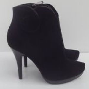 NWOB Limelight Black Faux Suede Booties
